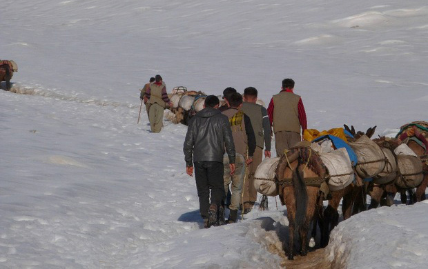 Two Kurdish Kolbers died due the cold weather and glacial