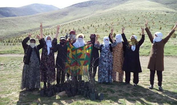 Mothers of Peace in Rojhelat planted trees in celebration of Öcalan's birthday