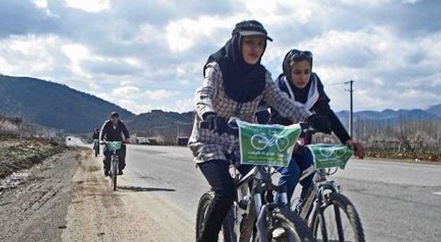 Iran's security forces prevent bike riding for women in Merîwan