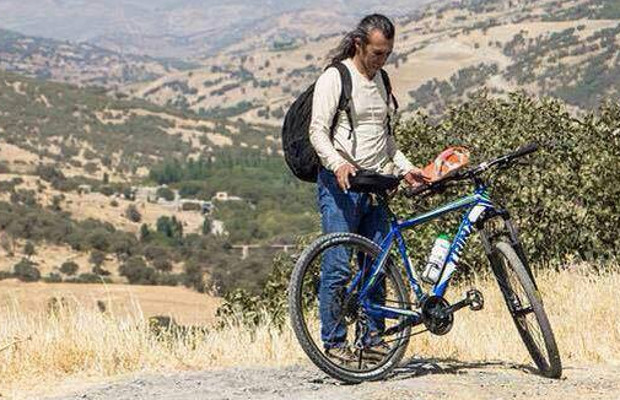 Şerîf Bacûr started a hunger strike and biking 660km to protest against violence